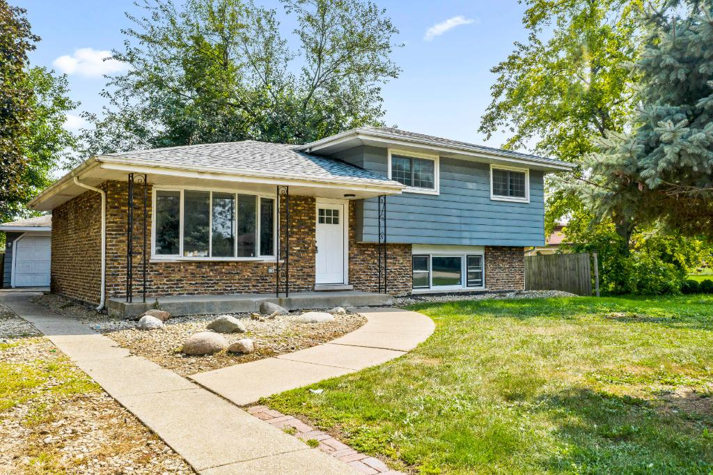 15557 State St, South Holland, IL 60473: Homes for Sale - Hommati