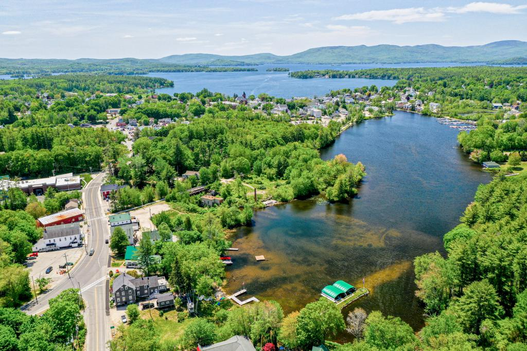 Video Slideshow 15 & 17 Willow St, Wolfeboro, NH 03894: Homes for Sale - Hommati
