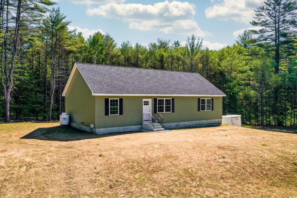 Hermit Lake Rd, Sanbornton, NH 03269: Homes for Sale - Hommati