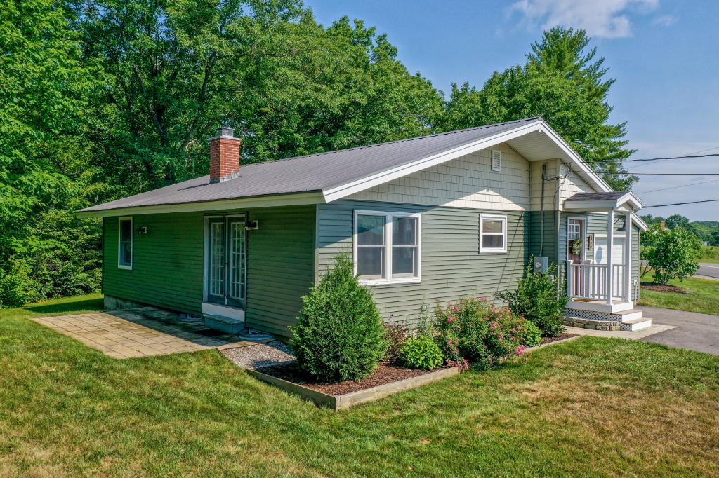 360 Calef Hill Rd, Tilton, NH 03276: Homes for Sale - Hommati