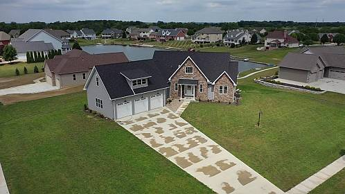 1602EagleLinksDrive Marion OH aerial video preview